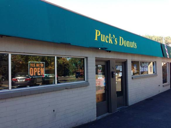Puck's Donuts - Ashland, Oregon (copyright 2014 JoshWillTravel)