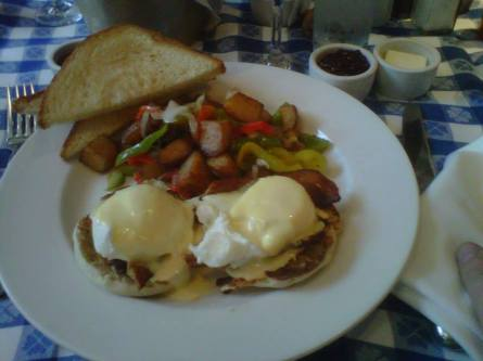 Egg's Benedict for Sunday Brunch at Perry's on Union in San Francisco