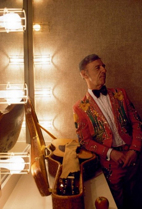 tennessee-1978-relaxed-and-ready-the-country-star-hank-snow-waits-backstage-at-the-grand-ole-opry-in-nashville-the-tennessee-capital-and-music-city-usa