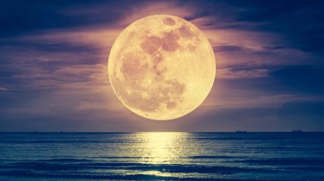 Another-supermoon-arrives-tonight-and-here's-the-best-way-to-see-it1-730x410